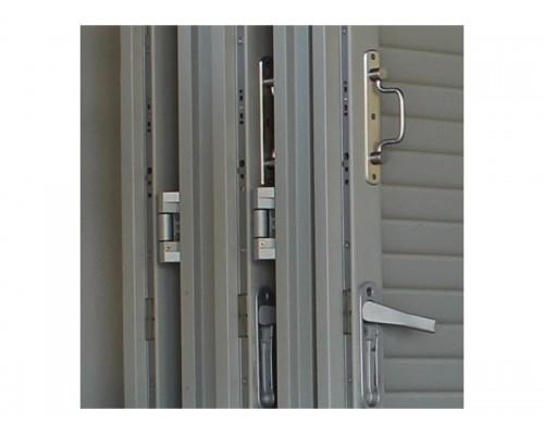 Ξυλινα Πατζουρια , πατζουρι ξυλινο αναδιπλουμενο ( σπαστο) με μεντεσεδες ανοξειδωτους στην Αθηνα